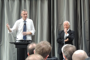 Bernard Hickey and Michael Barnett at Auckland Chamber of Commerce Economic Briefing in May 2013